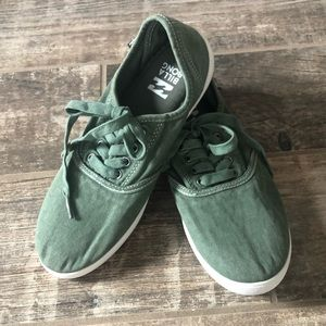 Billabong Tennis Shoes